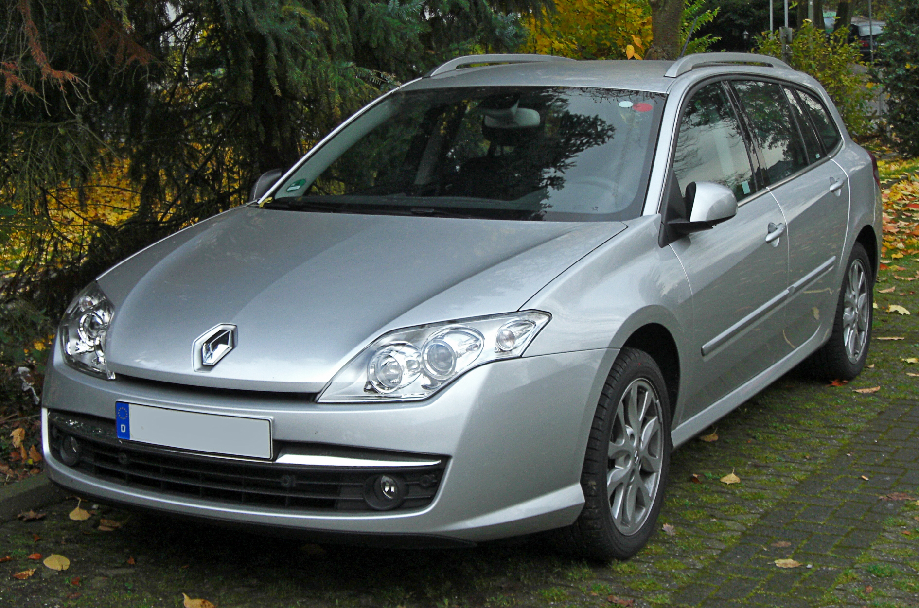file renault laguna iii grandtour seit 2007 front mj jpg. Black Bedroom Furniture Sets. Home Design Ideas