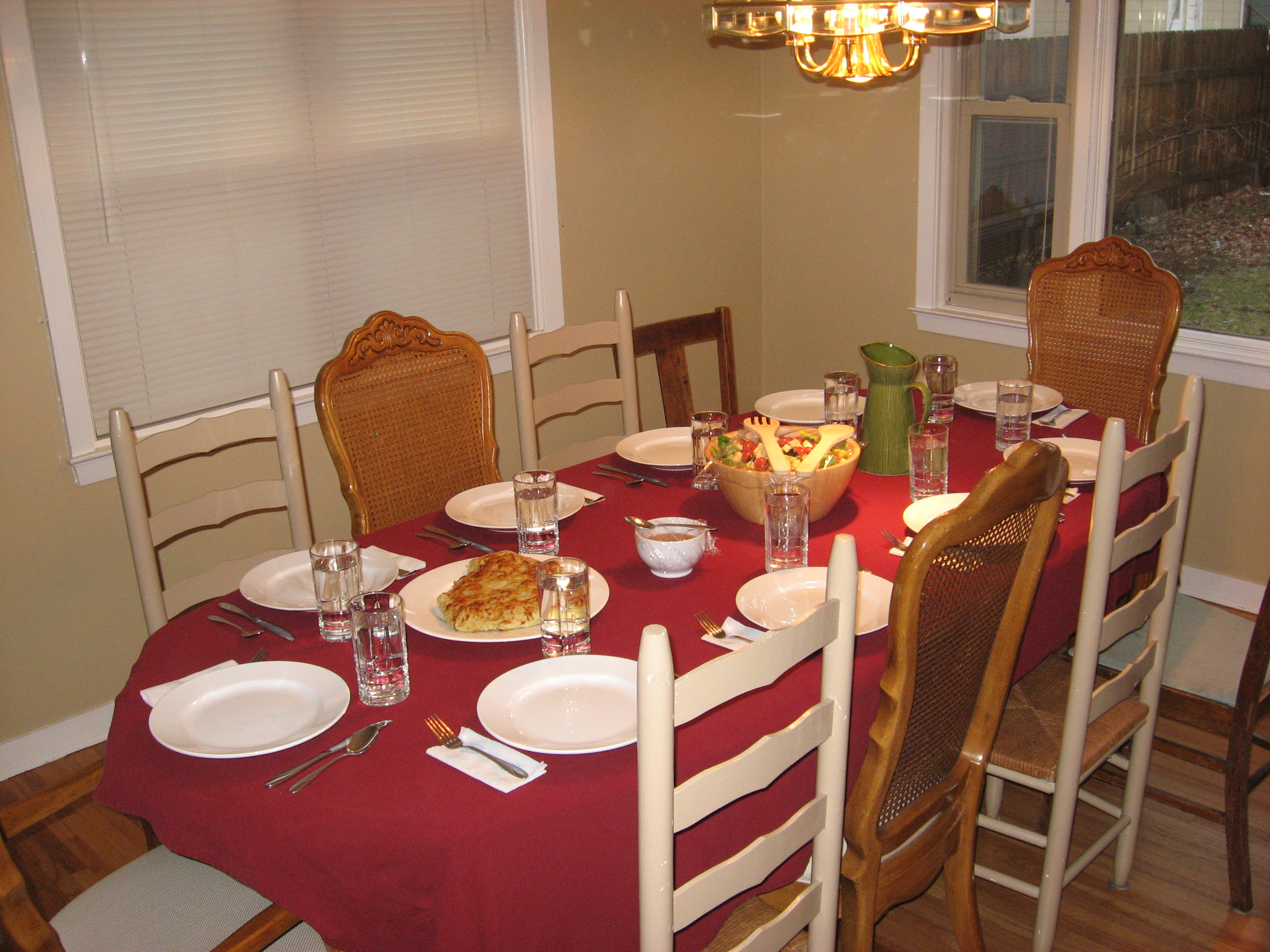 How To Set A Dinner Table file:set dinner table - wikimedia commons