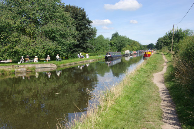 Shropshire Union Canal, near Brewood - geograph.org.uk - 517618
