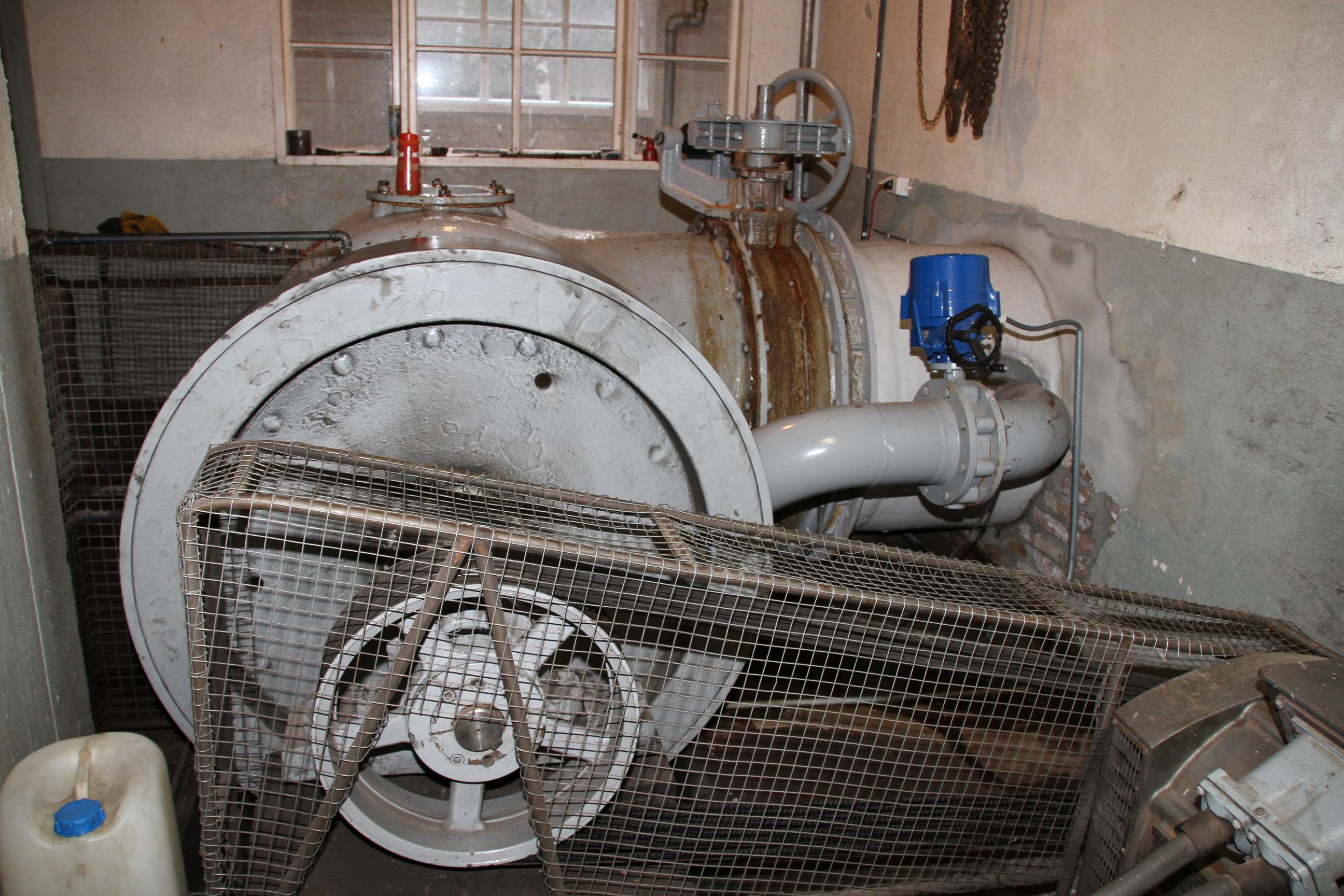 File:Sjöllingstad IMG 3199 hydropower generator thune of
