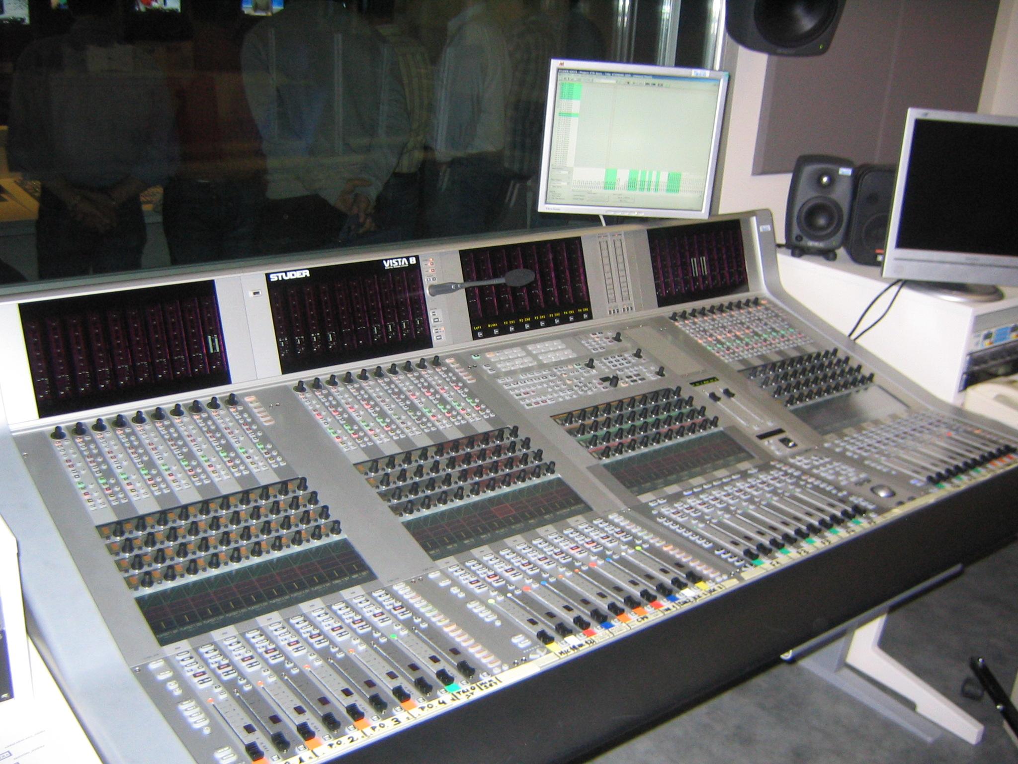 Mesa de mezclas de audio wikiwand for Media markt mesa de mezclas