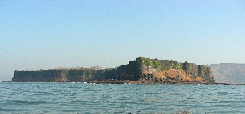 File:Suvarnadurg fort.JPG - Wikimedia Commons