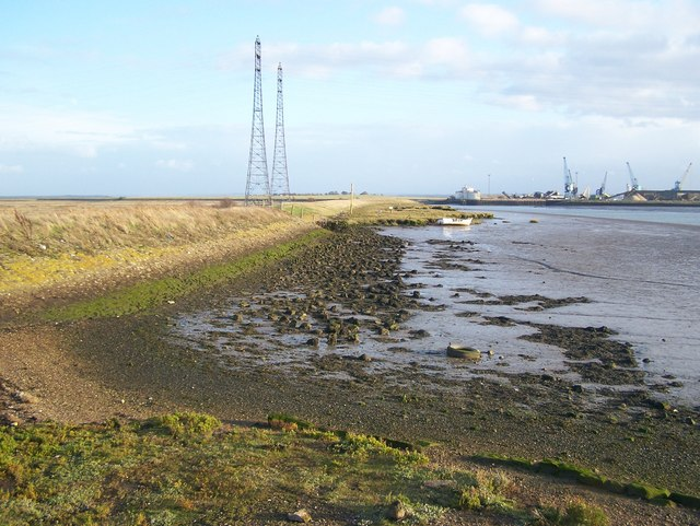 File:Swale at Ferry Reach - geograph.org.uk - 1040239.jpg