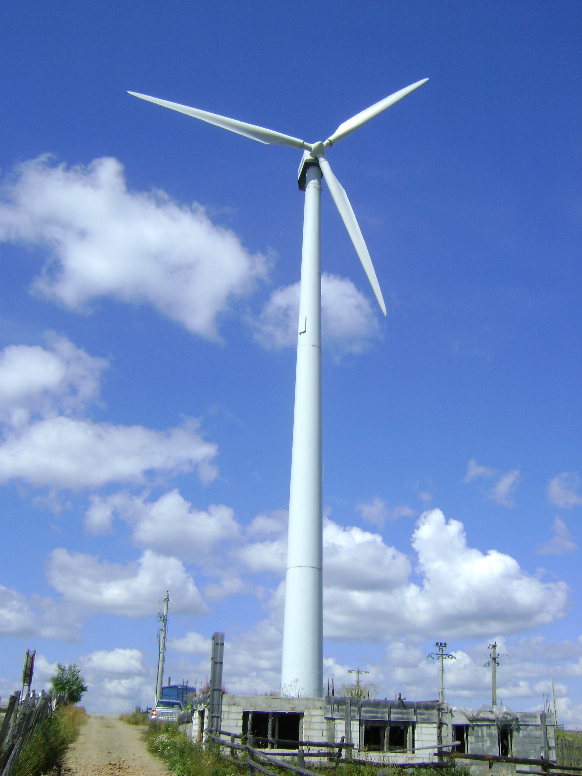 File:Tihuta Pass wind turbine.JPG - Wikipedia, the free encyclopedia