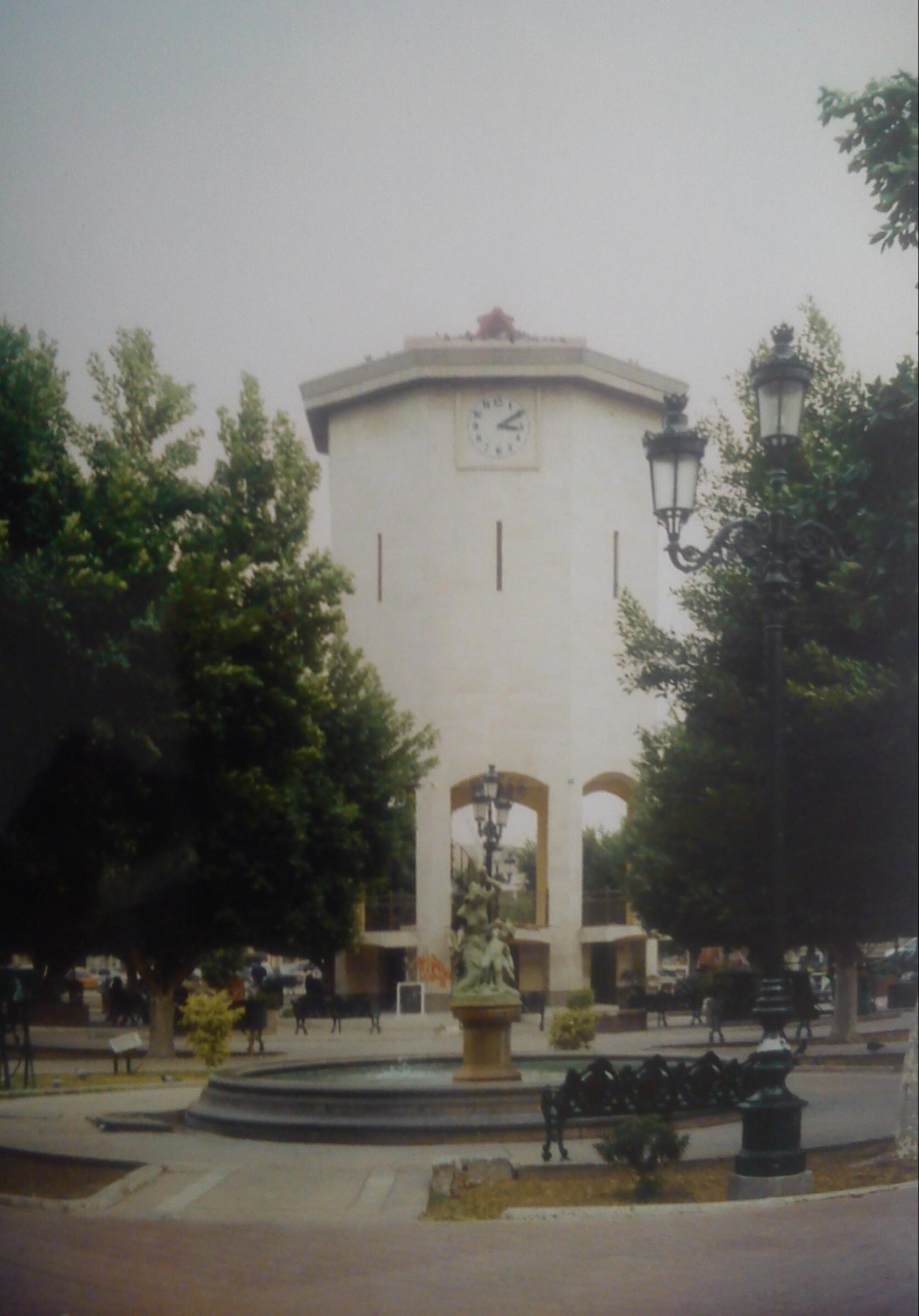 File torre n en el jard n principal de la ciudad de for Casas en torreon jardin torreon coahuila