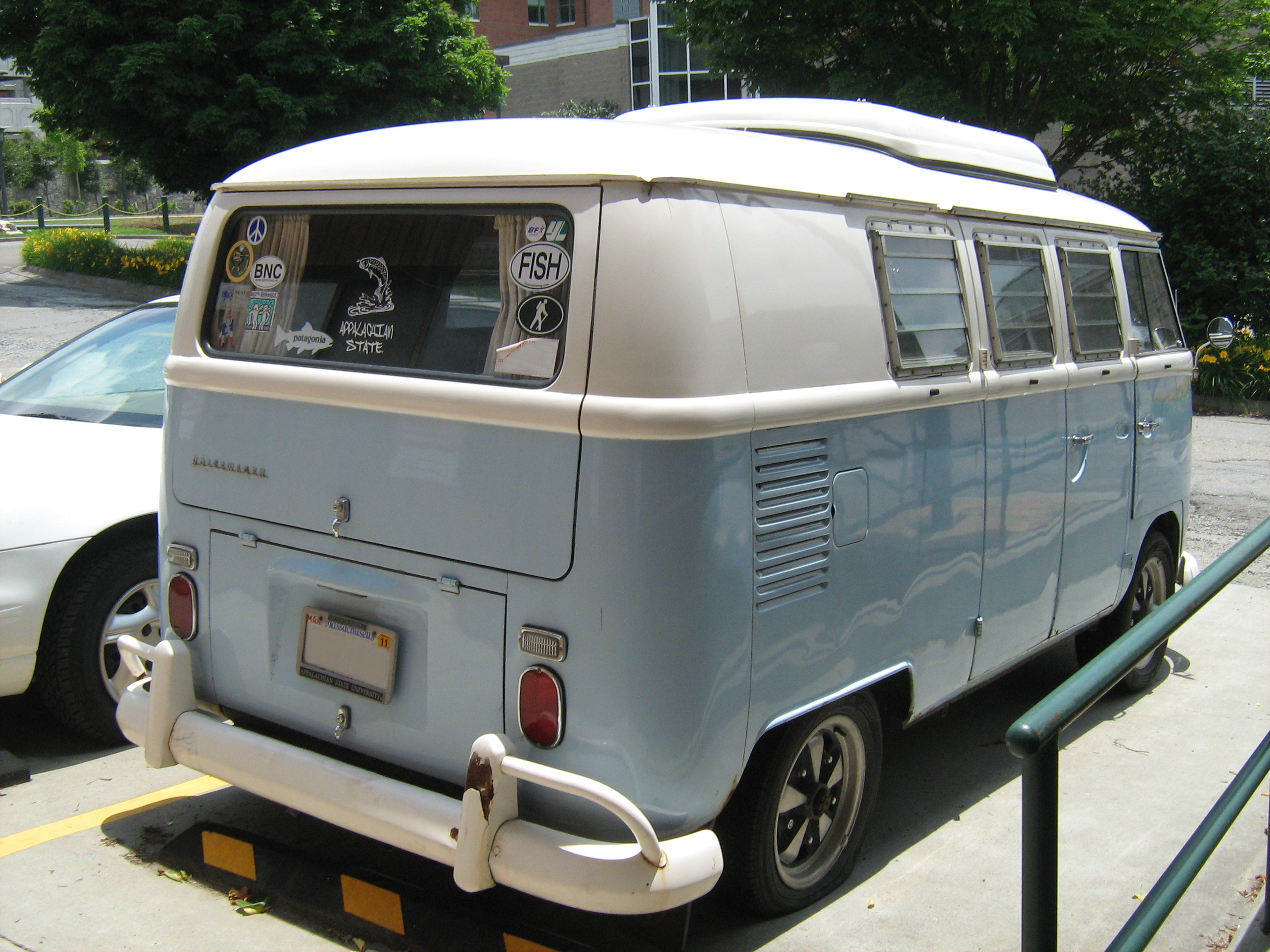 File Vw Camper Asu Blueandwhite Rr Jpg Wikimedia Commons