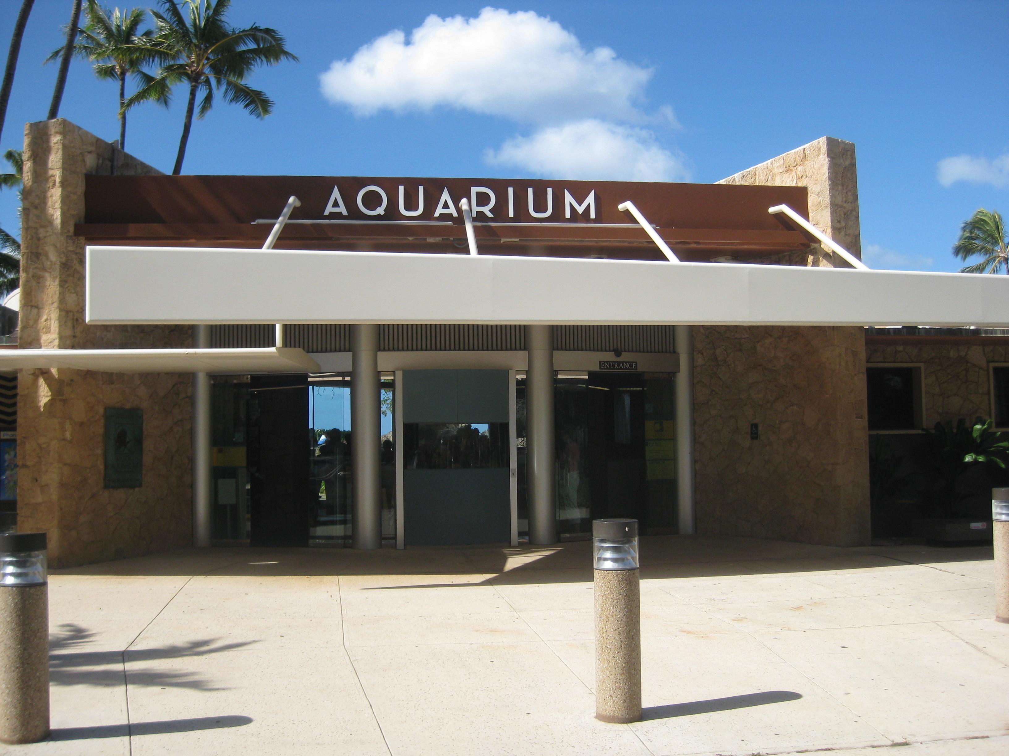Waikiki Aquarium entrance.JPG