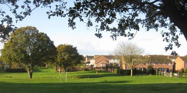 File:Wareham - Northmoor Park - geograph.org.uk - 1588450.jpg
