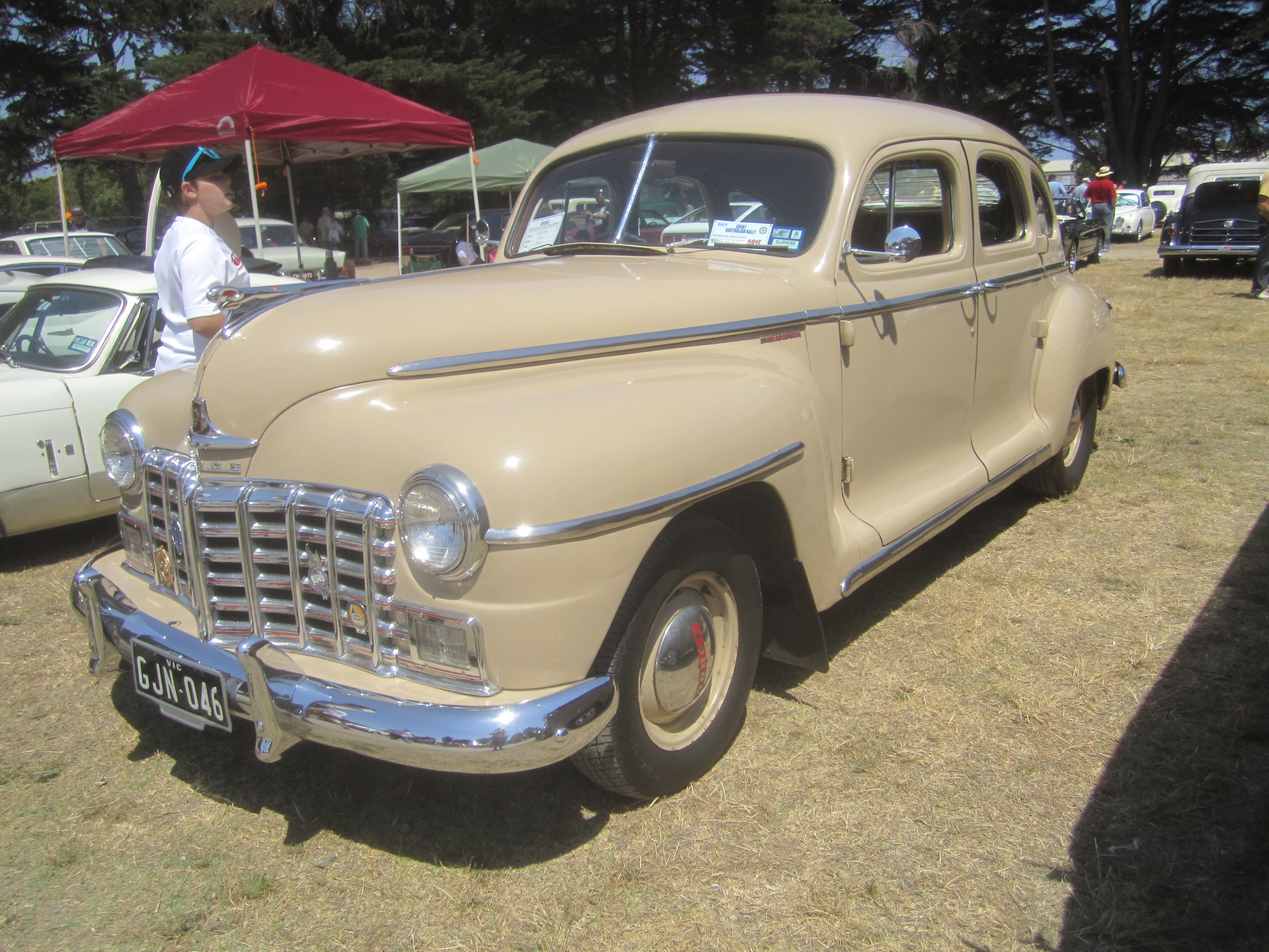 File 1946 Dodge D25 Special Deluxe Sedan 8404145855 Jpg