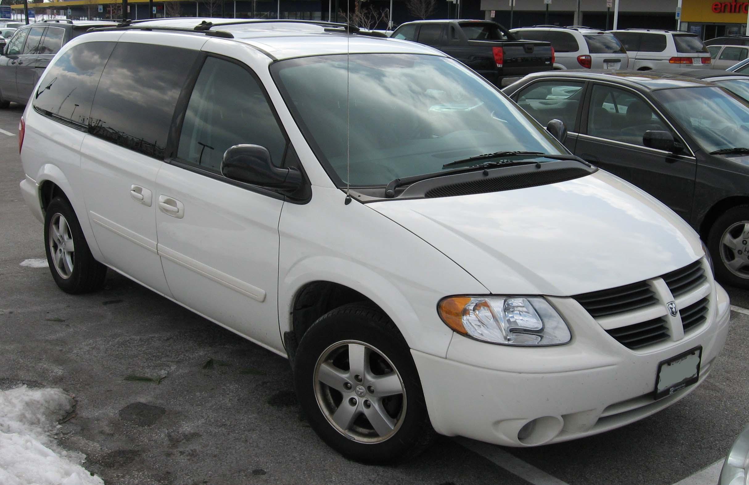 Dodge Work Van >> File:2005-2007 Dodge Grand Caravan.jpg - Wikimedia Commons