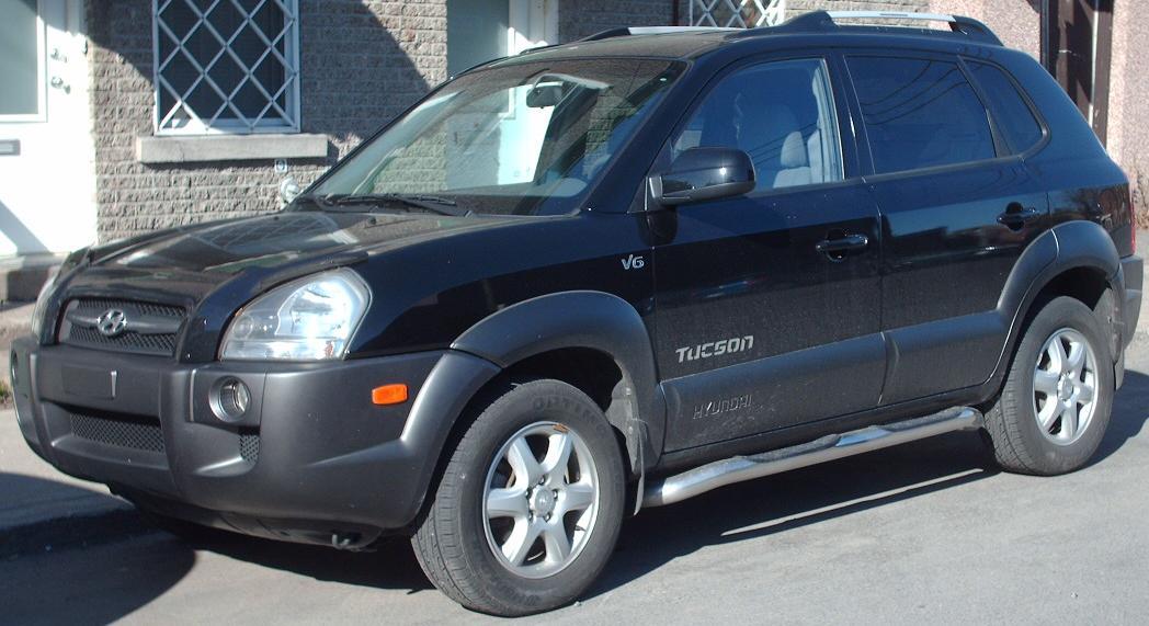 2005_Hyundai_Tucson.jpg