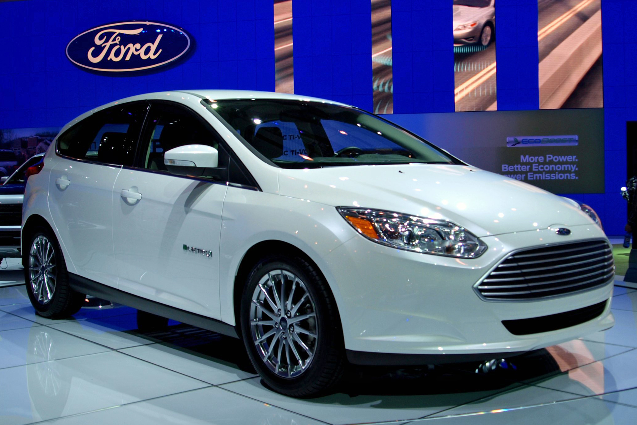 File 2012 Ford Focus Electric Vehicle Msvg 01 Trimmed Jpg