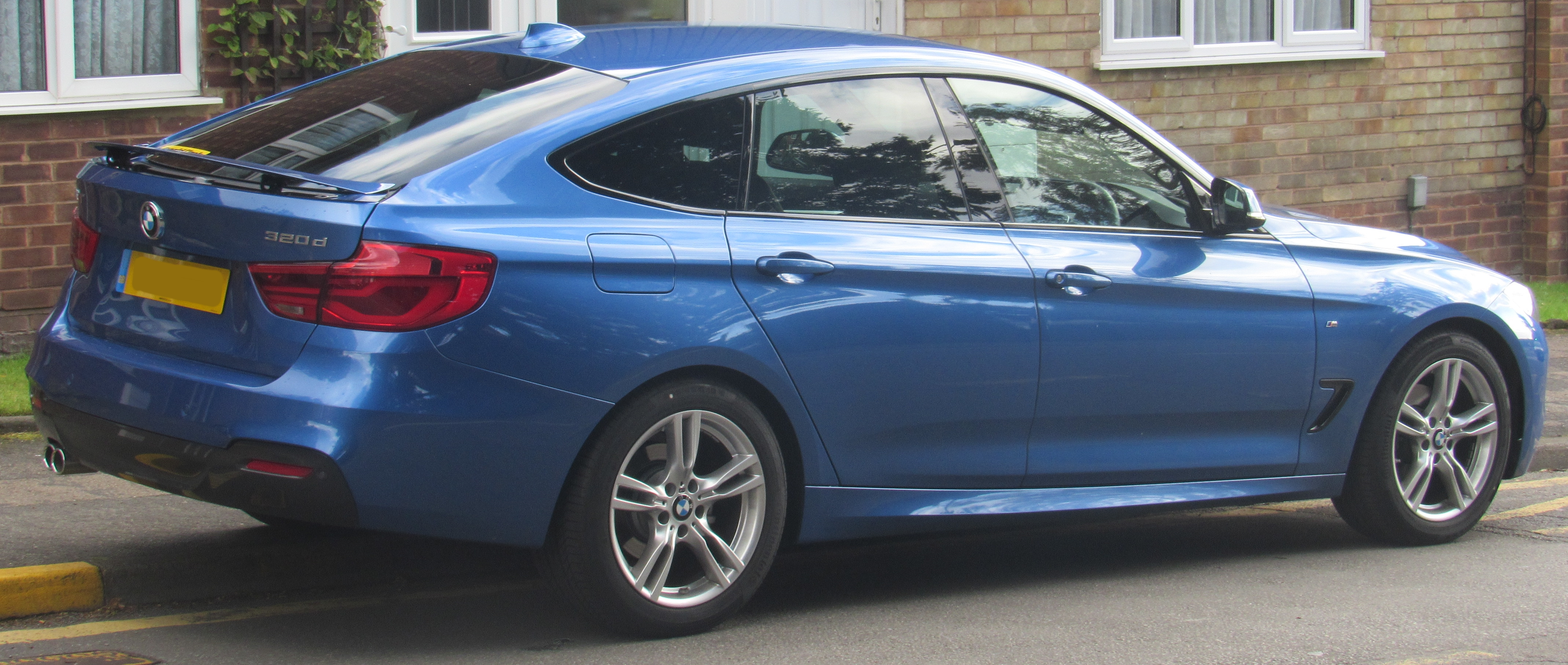 File 2017 Bmw 320d M Sport Gt Automatic 2 0 Jpg Wikimedia Commons