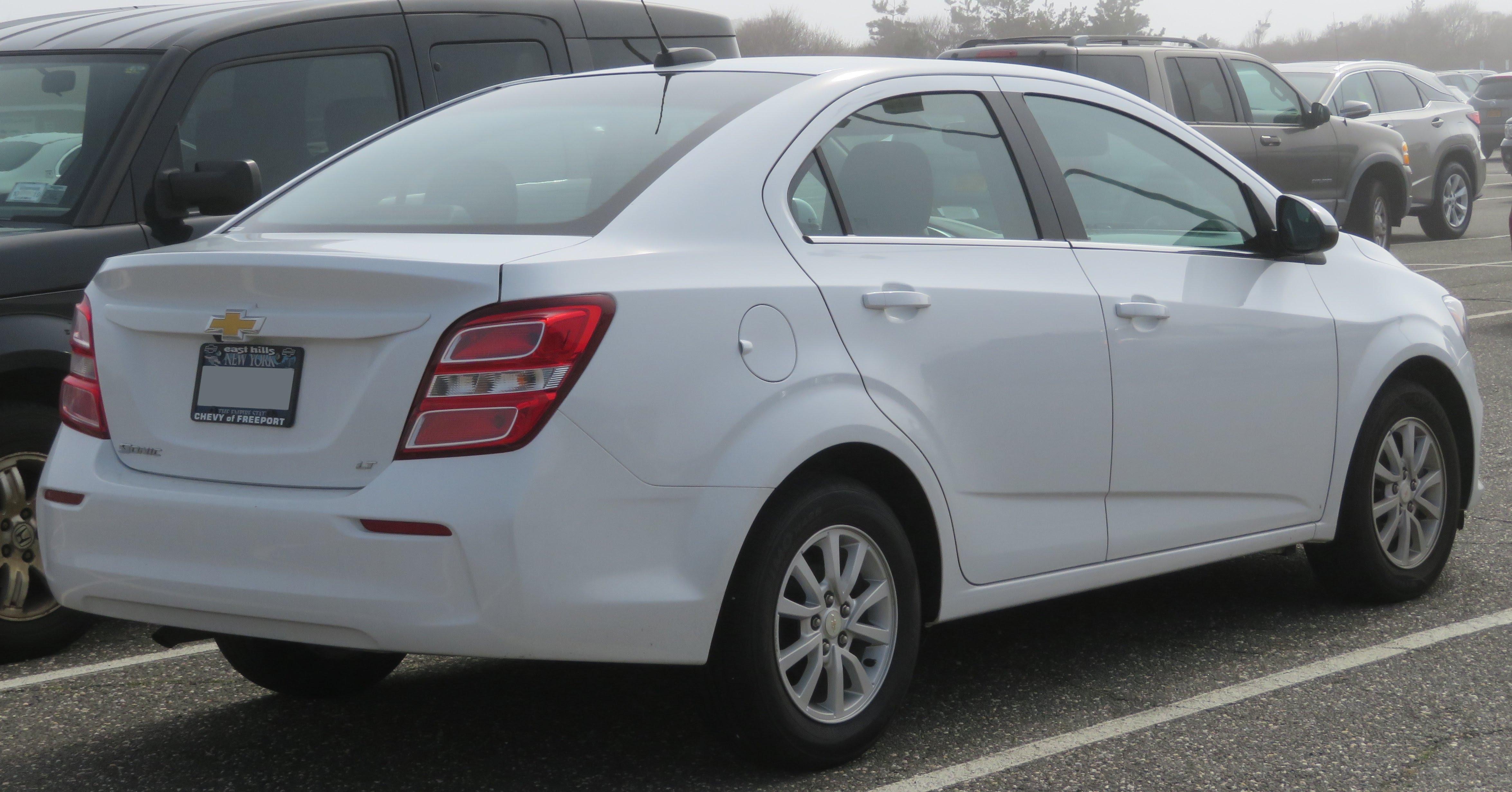 file 2017 chevrolet sonic lt sedan rear 4 28 18 jpg wikimedia commons rh commons wikimedia org