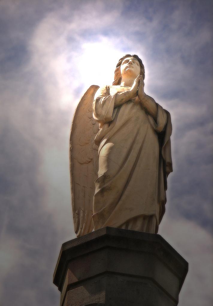 Angels Wikiquote
