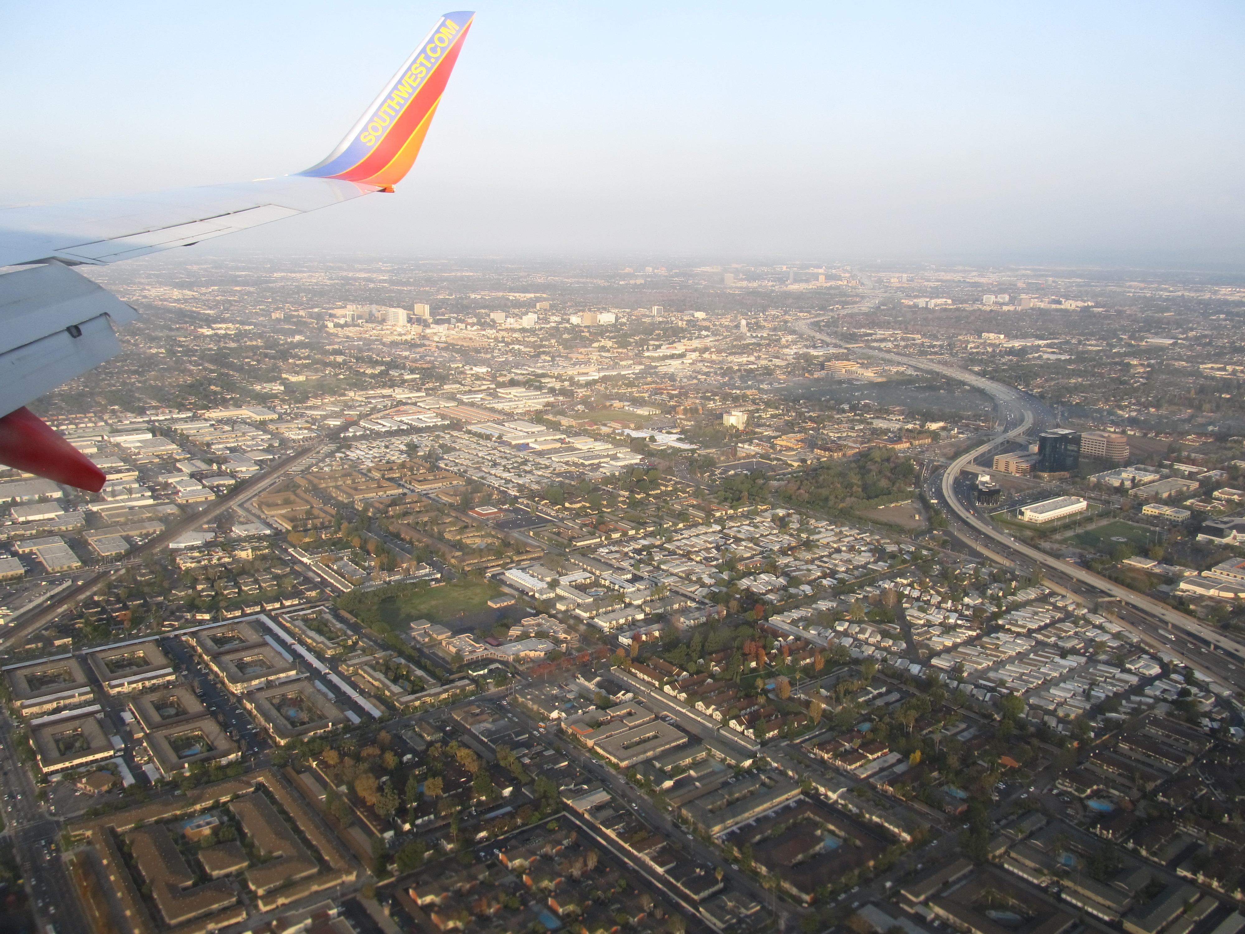 FileApproaching John Wayne International Airport Orange County