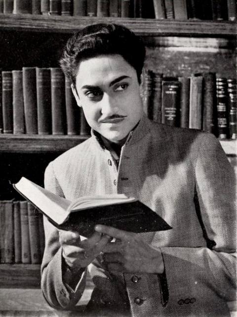 File:Ashok Kumar dans Nirmala (1938).jpg - Wikimedia Commons