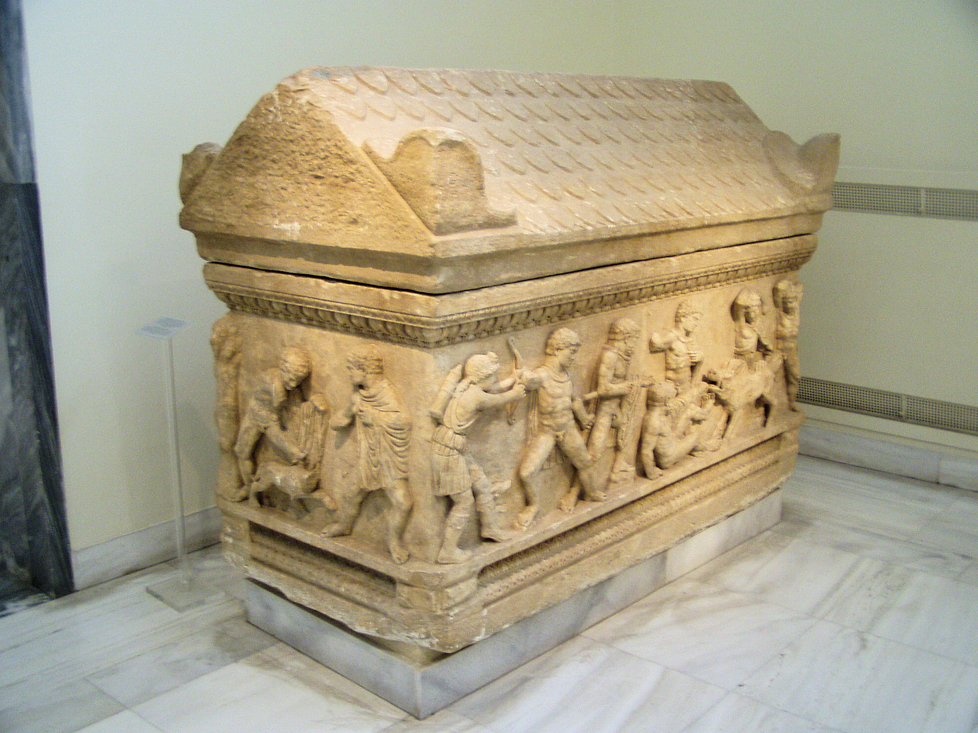 File:Attic sarcophagus NAMA 1186 (DerHexer).JPG