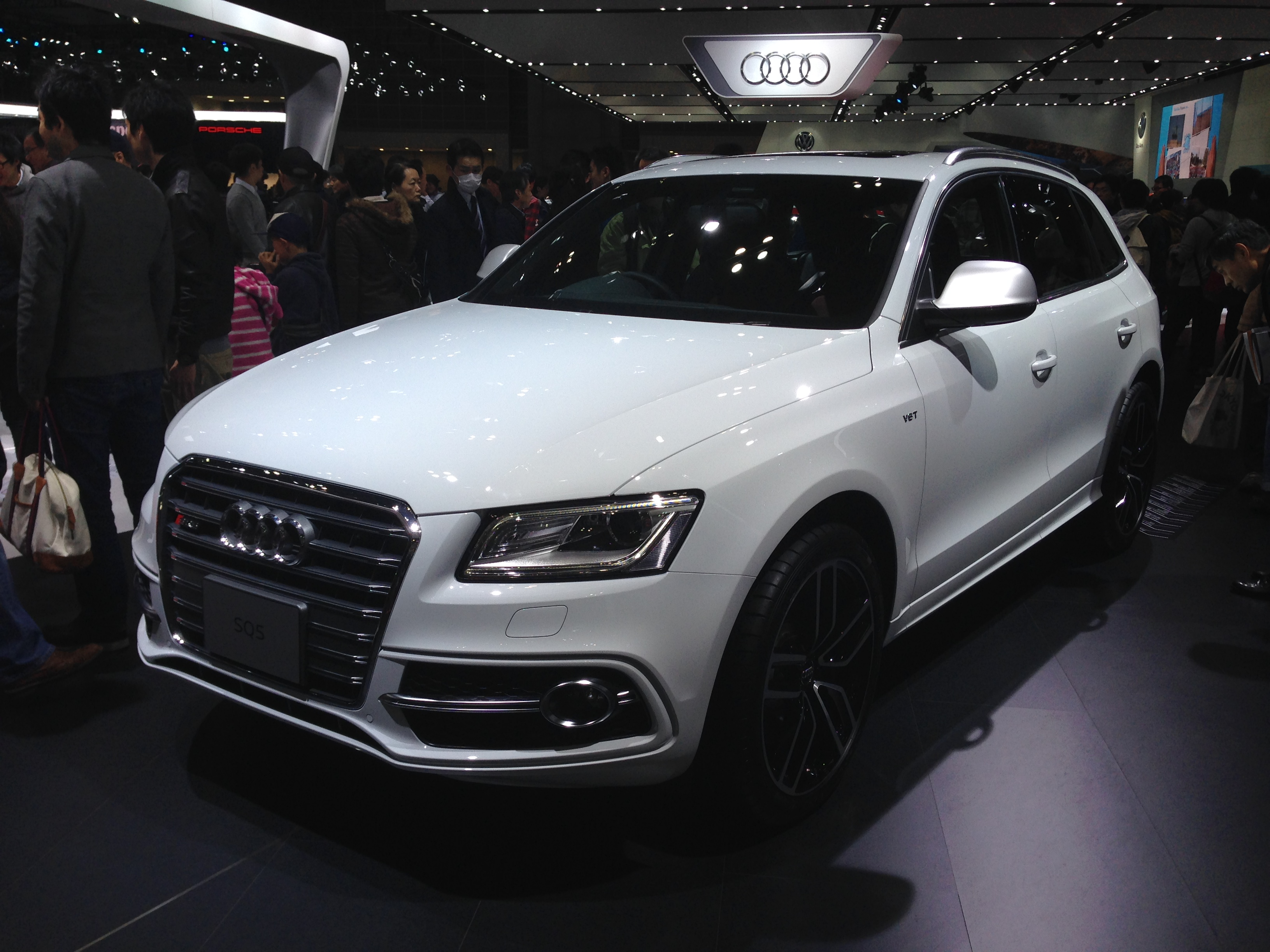 file audi sq5 3 0 tfsi front tokyo motor show wikimedia commons. Black Bedroom Furniture Sets. Home Design Ideas