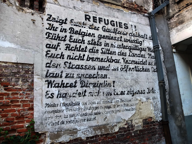 """Dimension D Un Placard Standard file:bruxelles (brussel) —placard """"réfugiés"""" -immeuble du"""