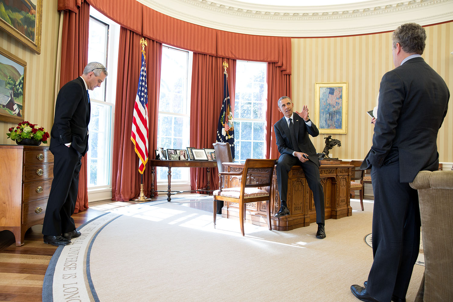 file barack obama talks with jeffrey zients and denis mcdonough rh commons wikimedia org