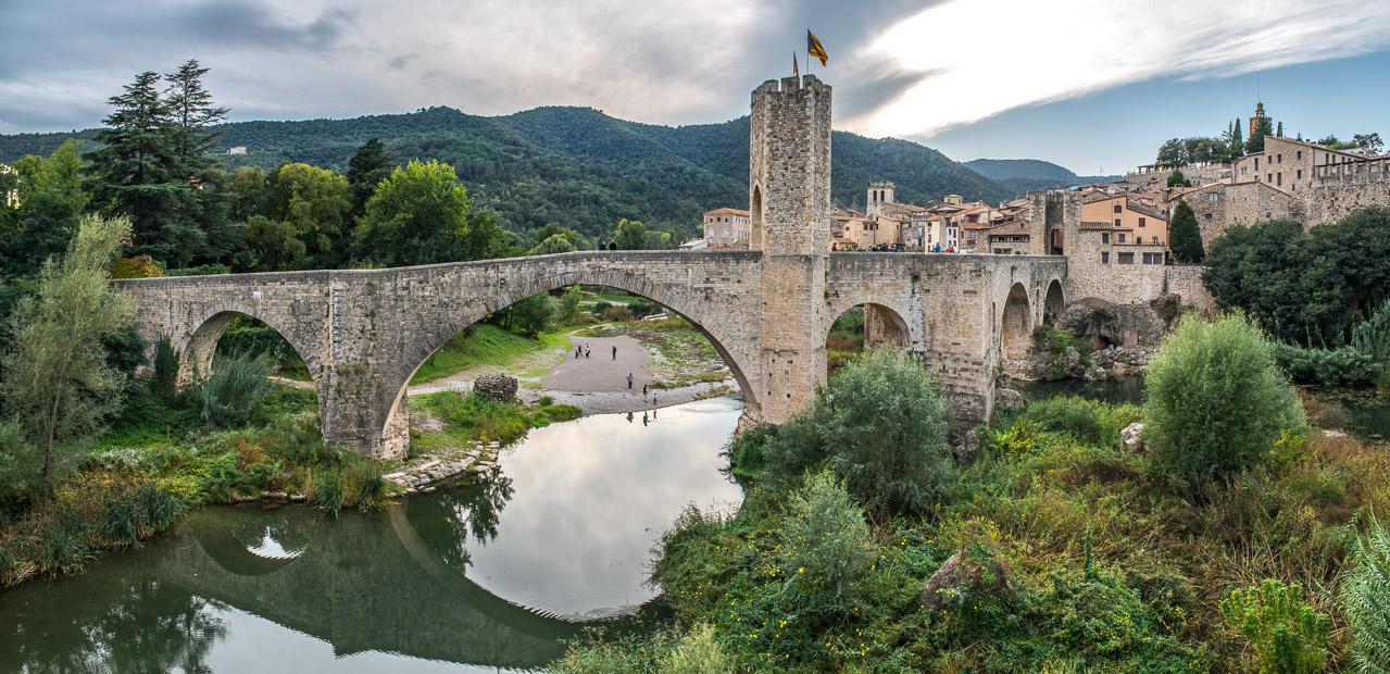 Besalú y el puente viejo