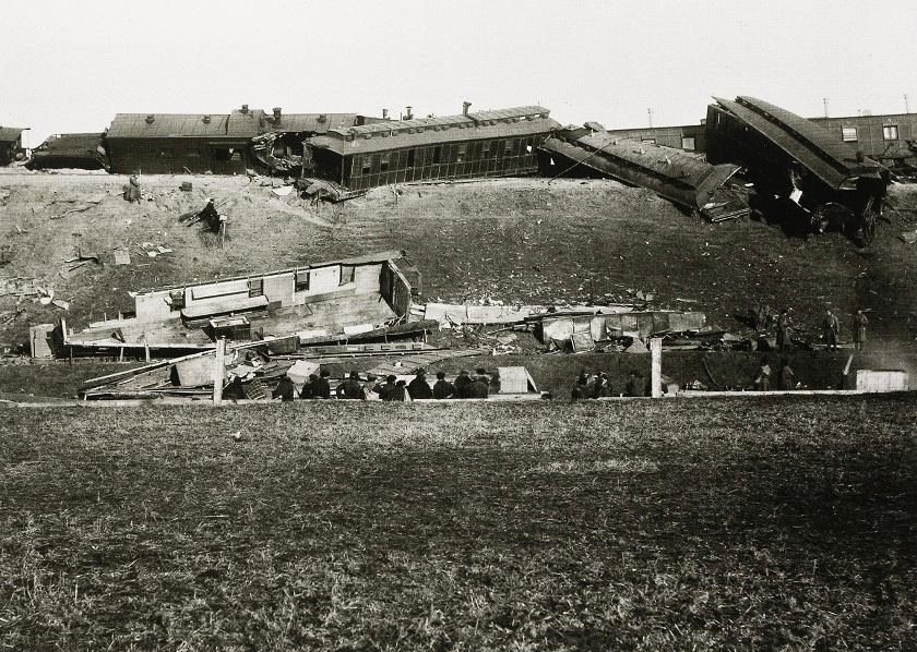 El tren descarrilado, cerca de Borki, en la región de Jarkov (Cáucaso), tras el atentado contra el zar Alejandro III, el 29 de octubre de 1888.