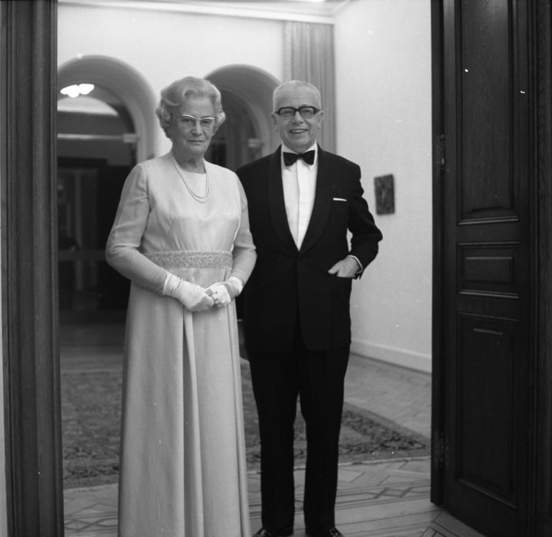 Ehepaar Heinemann in der Villa Hammerschmidt / Staatsfoto