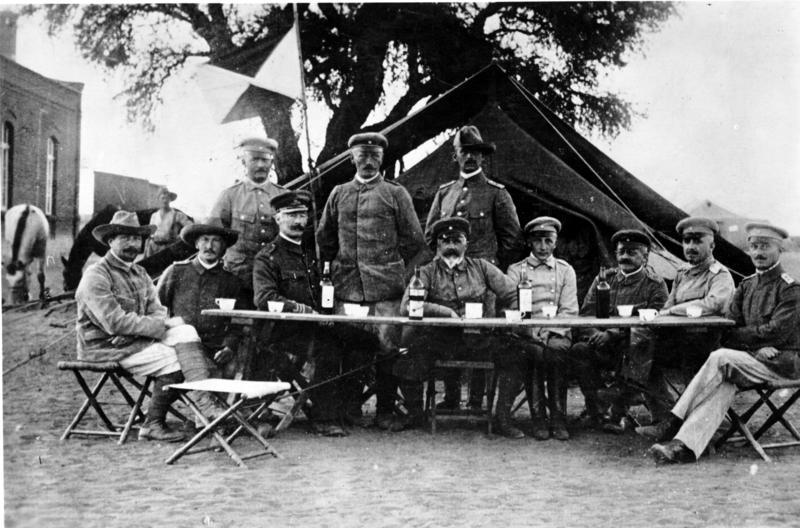 File:Bundesarchiv Bild 183-R27576, Deutsch-Südwestafrika, Herero-Aufstand.jpg