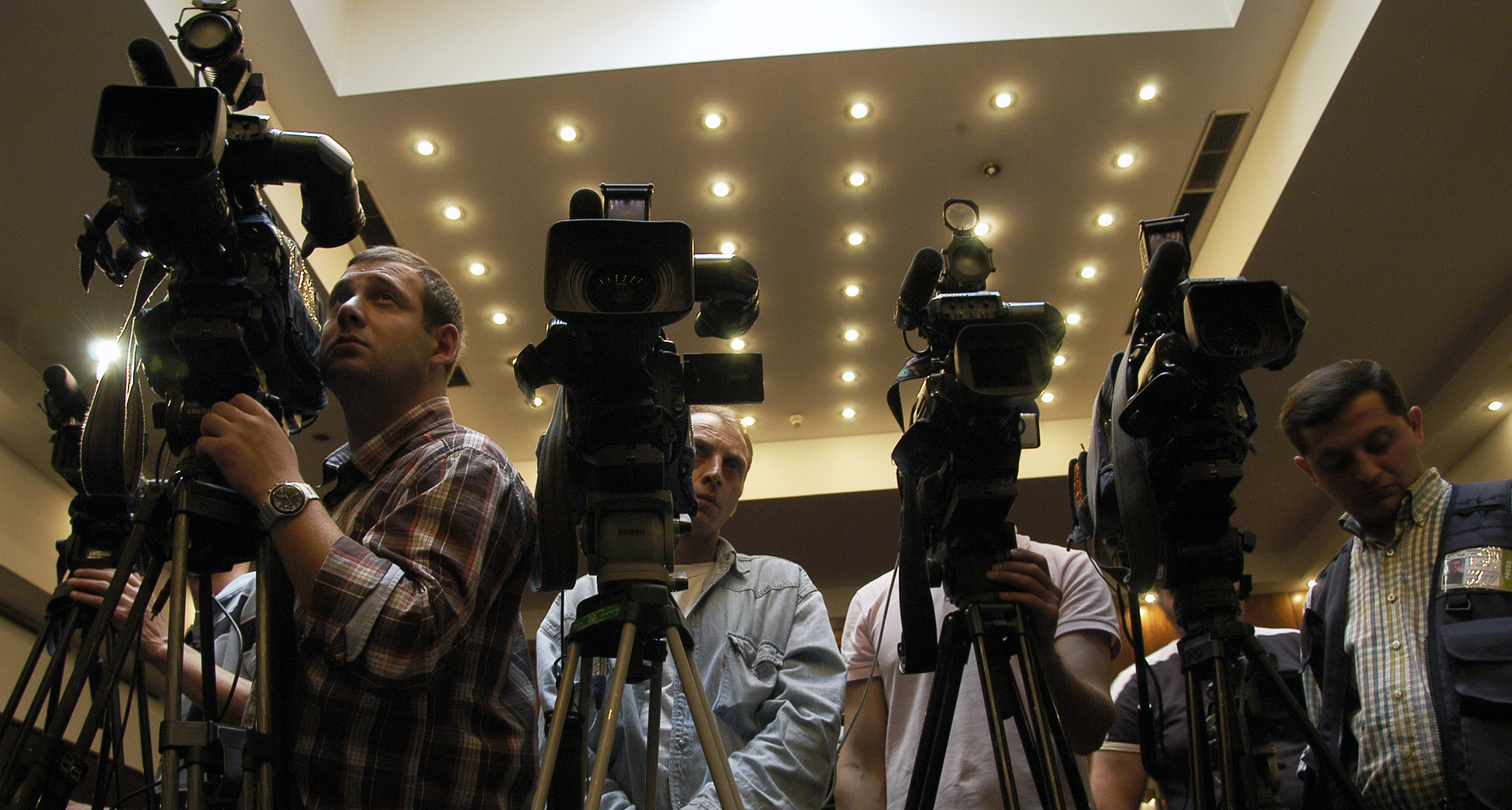 Camera_crews_at_the_joint_Press_Conference_given_by_the_Congress_and_the_ODIHR._Tbilisi,_2010.jpg (3599×1928)