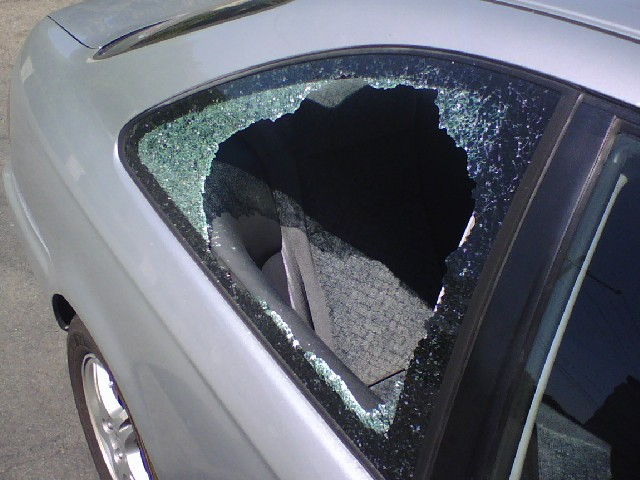 File:Car window burglary.jpg
