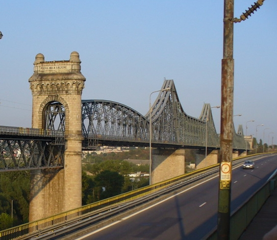 File:Cernavoda - the old Saligny bridge.jpg