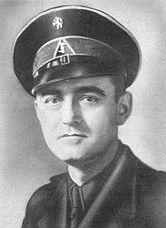 Cornelis van Geelkerken (1901-1976) in uniform.jpg