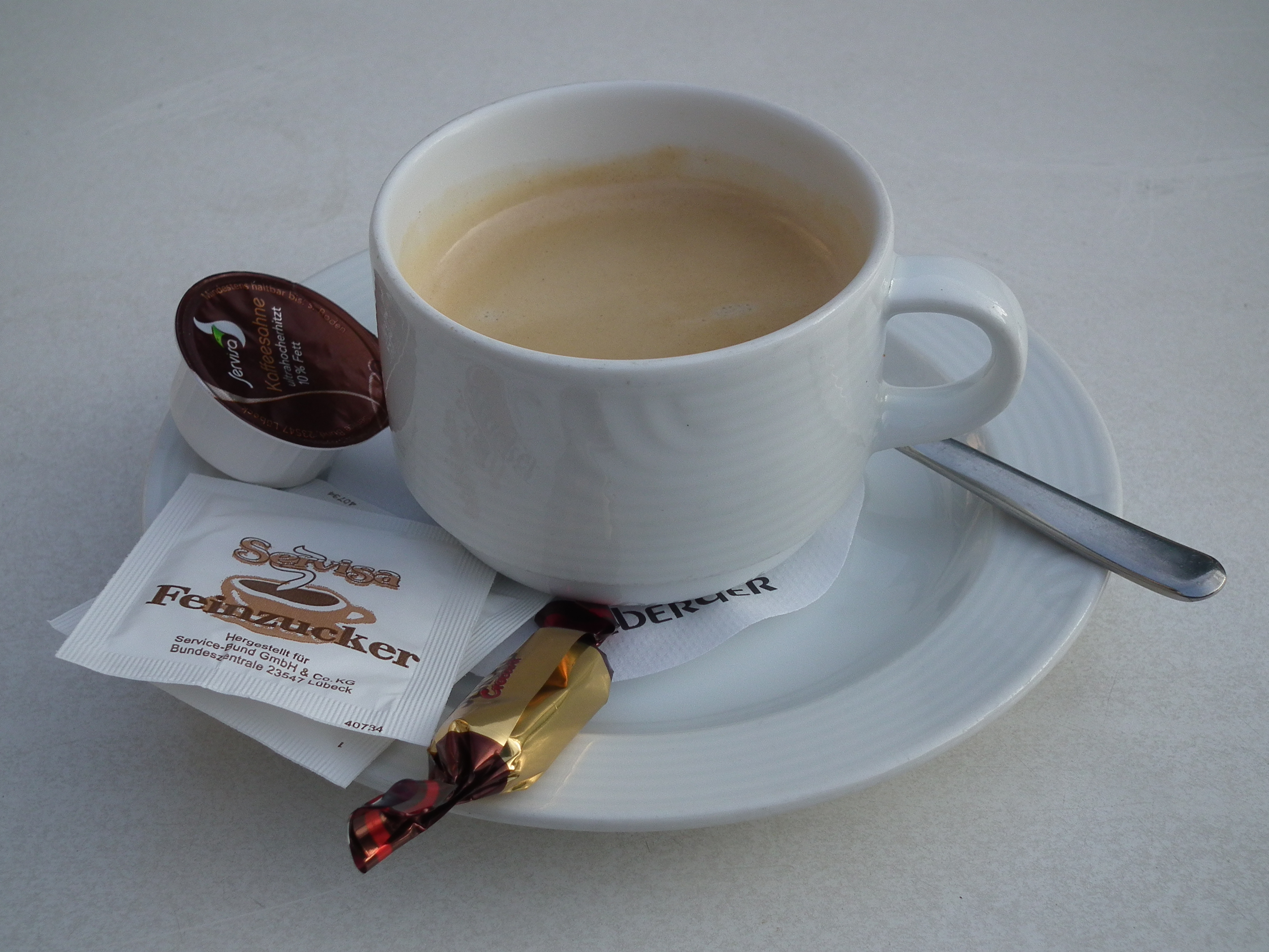 File:Crema Tasse Kaffee.JPG - Wikimedia Commons