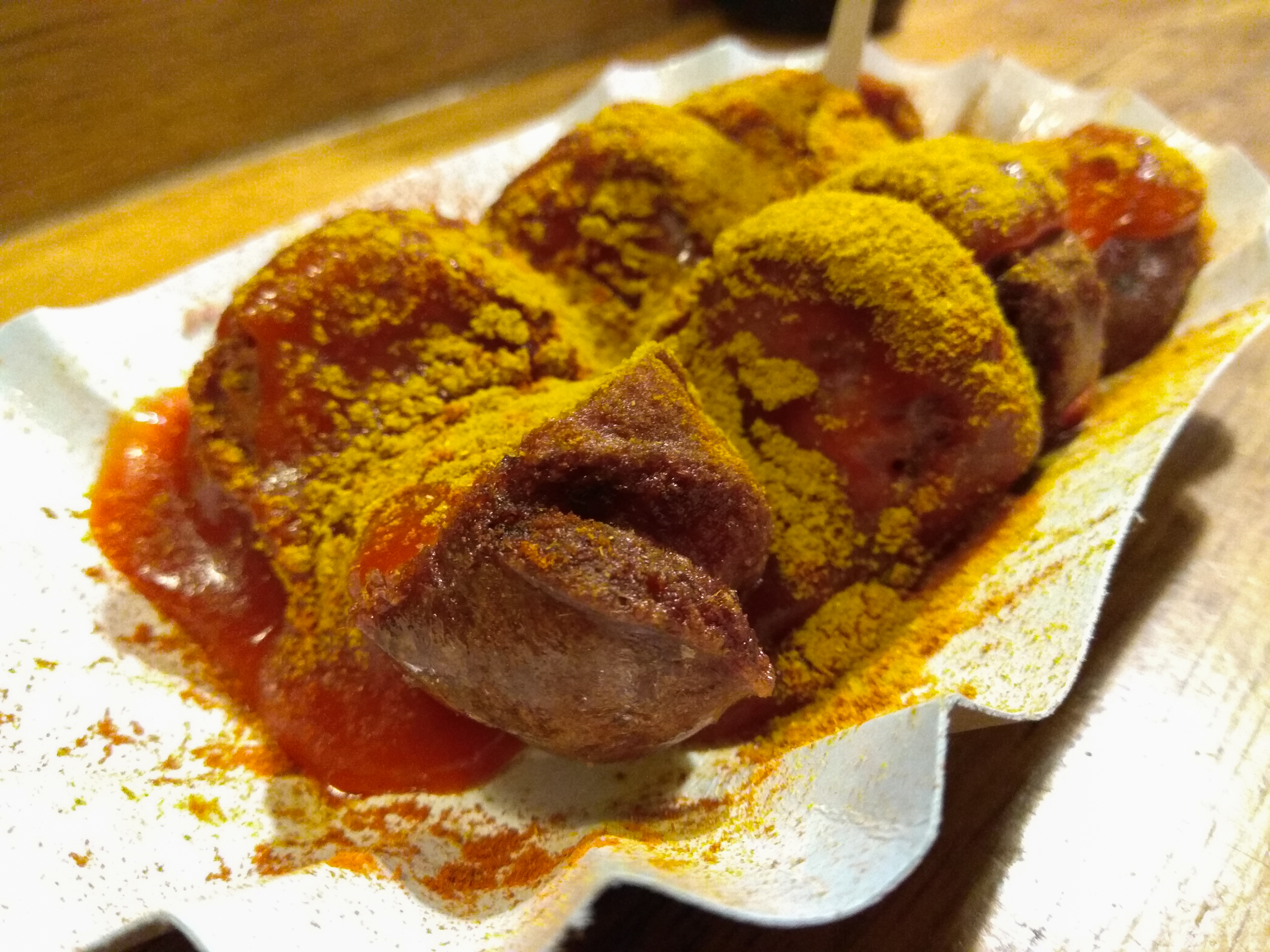File:Currywurst - CurryMitte.jpg - Wikimedia Commons