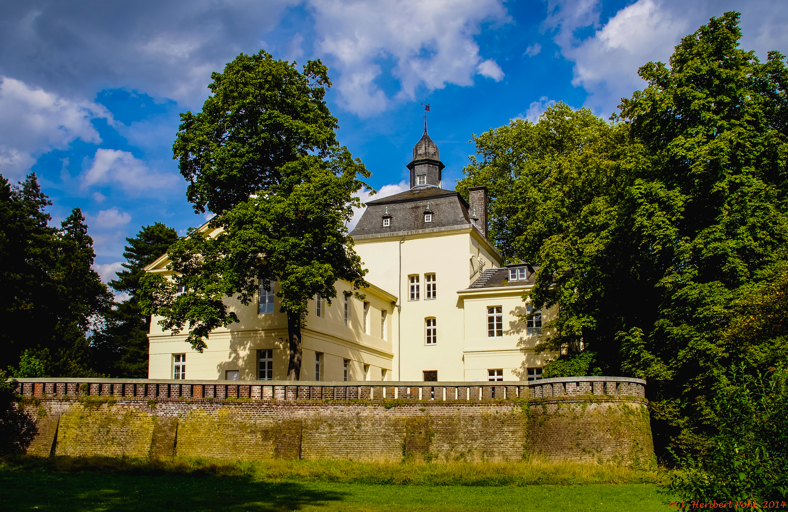 FileDsseldorf Eller Schloss Eller 13557878965jpg FileDsseldorf Eller