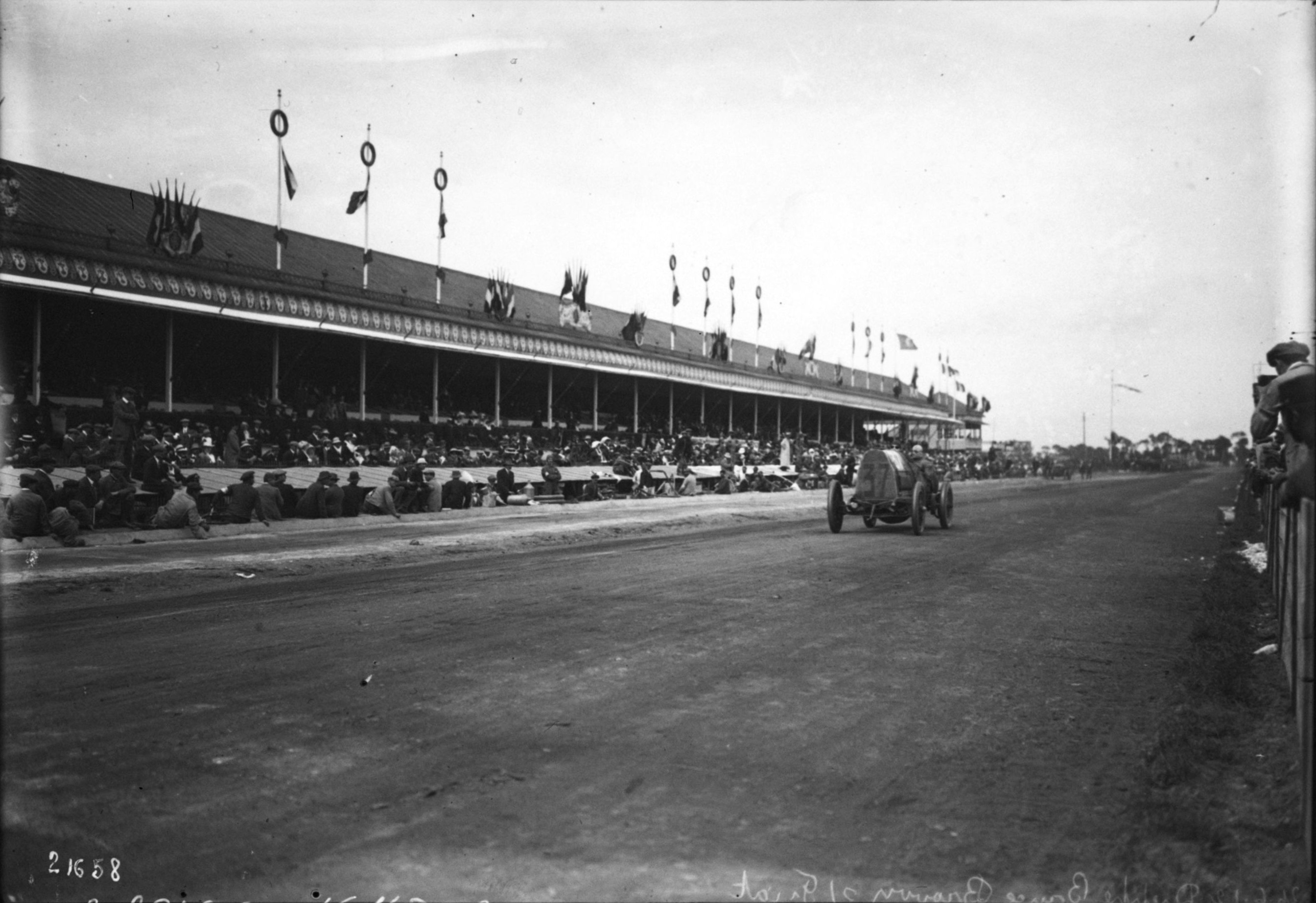 file david bruce brown in his fiat at the 1912 french grand prix at dieppe 9 jpg wikimedia. Black Bedroom Furniture Sets. Home Design Ideas