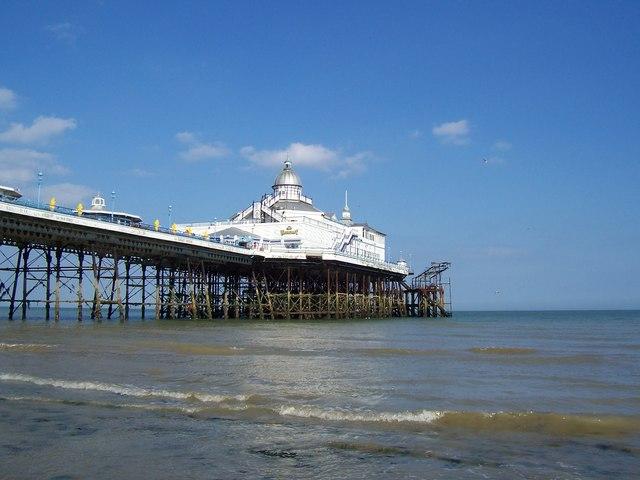 Eastbourne pier - geograph.org.uk - 1212133.jpg
