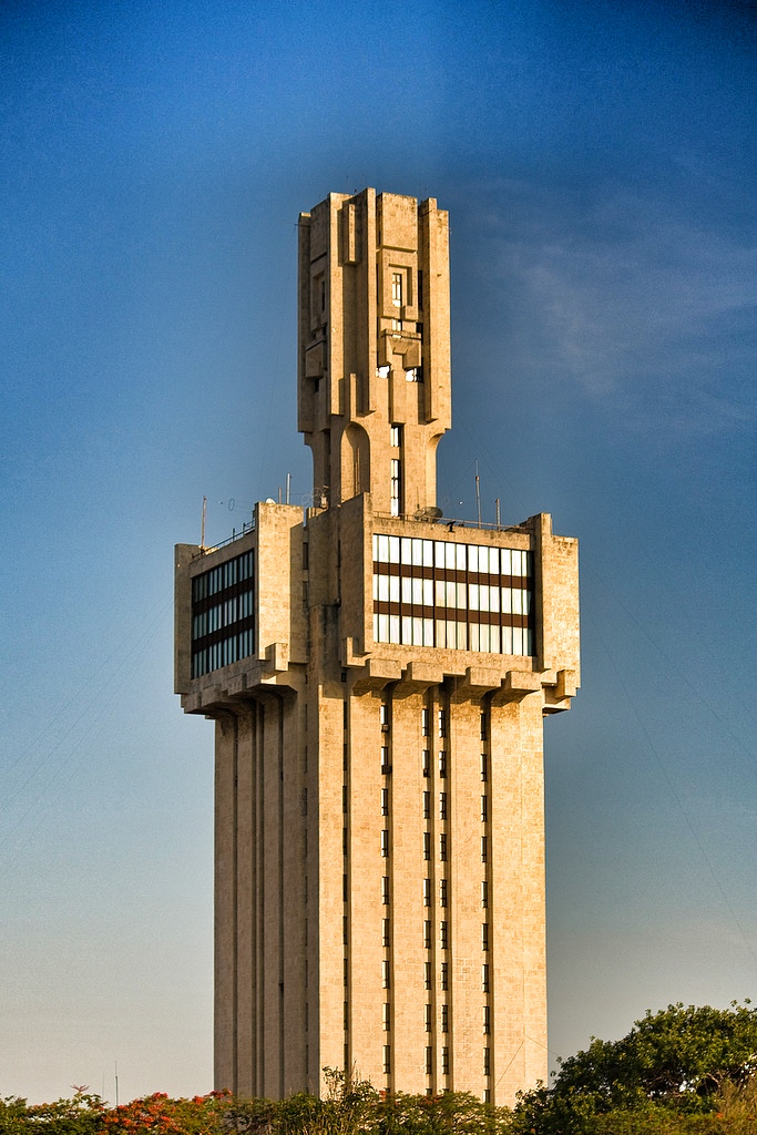 File embassy of russia in havana wikimedia commons for Architecture urss