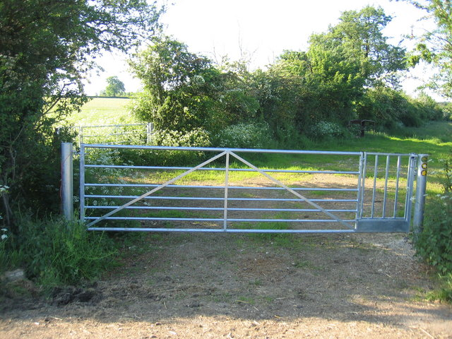 File Farm Gate With Built In Pedestrian Geograph Org Uk 179239 Jpg