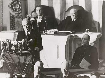 President Franklin Delano Roosevelt addresses a joint session of United States Congress on December 8, 1941, asking Congress for a declaration of war. Fdr delivers speech.jpg