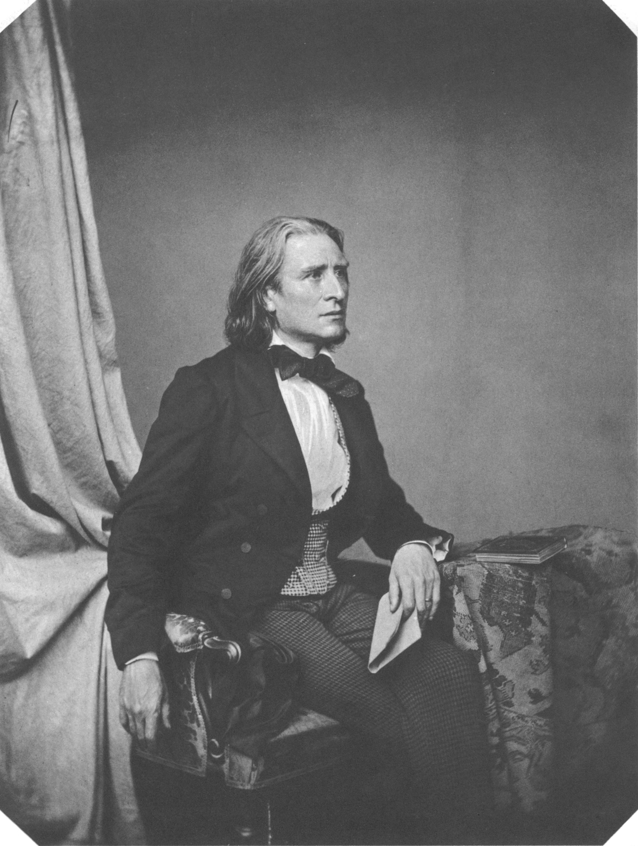 http://upload.wikimedia.org/wikipedia/commons/0/0a/Franz_Liszt.jpg