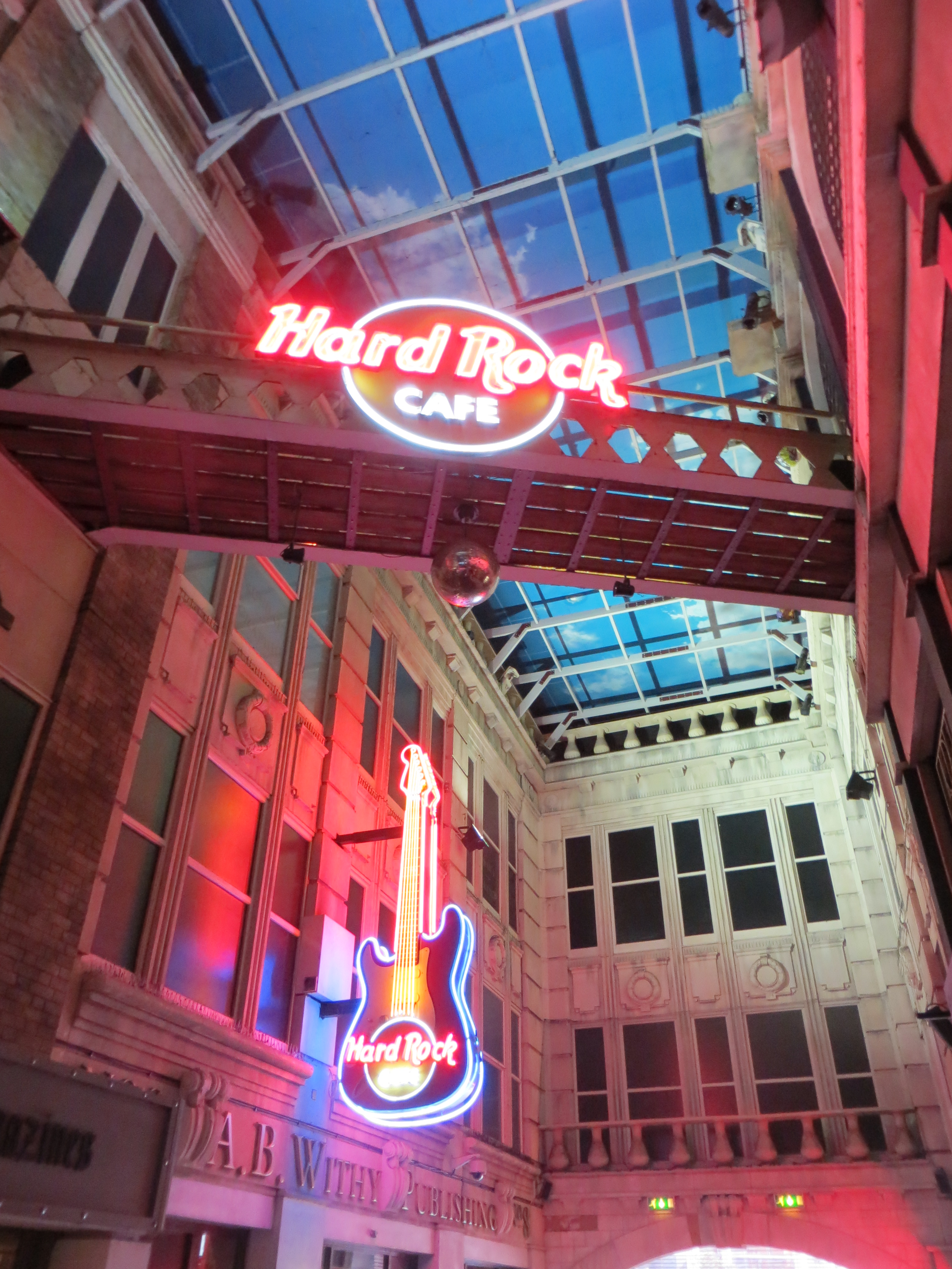 Hard Rock Cafe Mexico City Closed