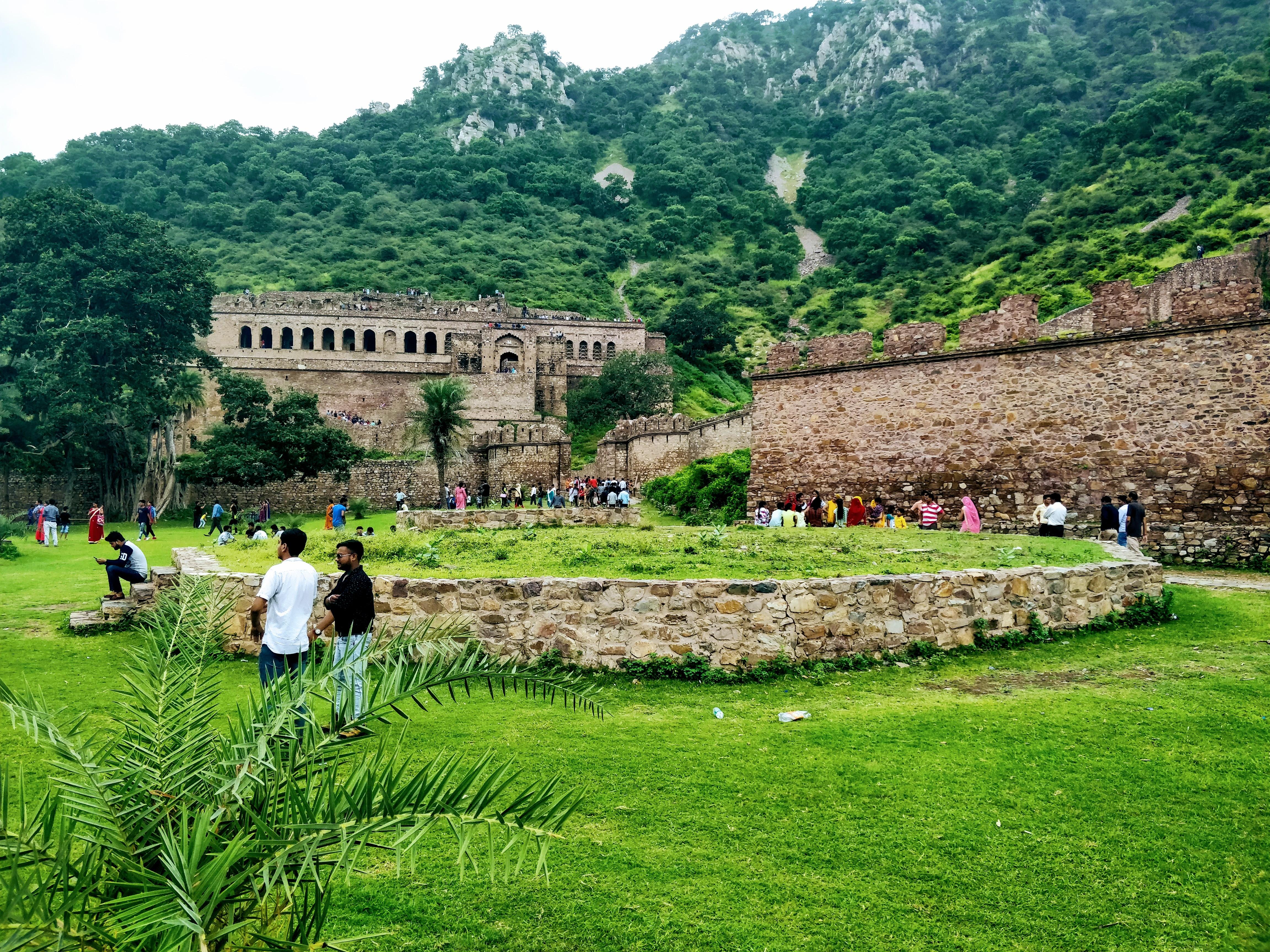 Bhangarh Fort - Wikipedia