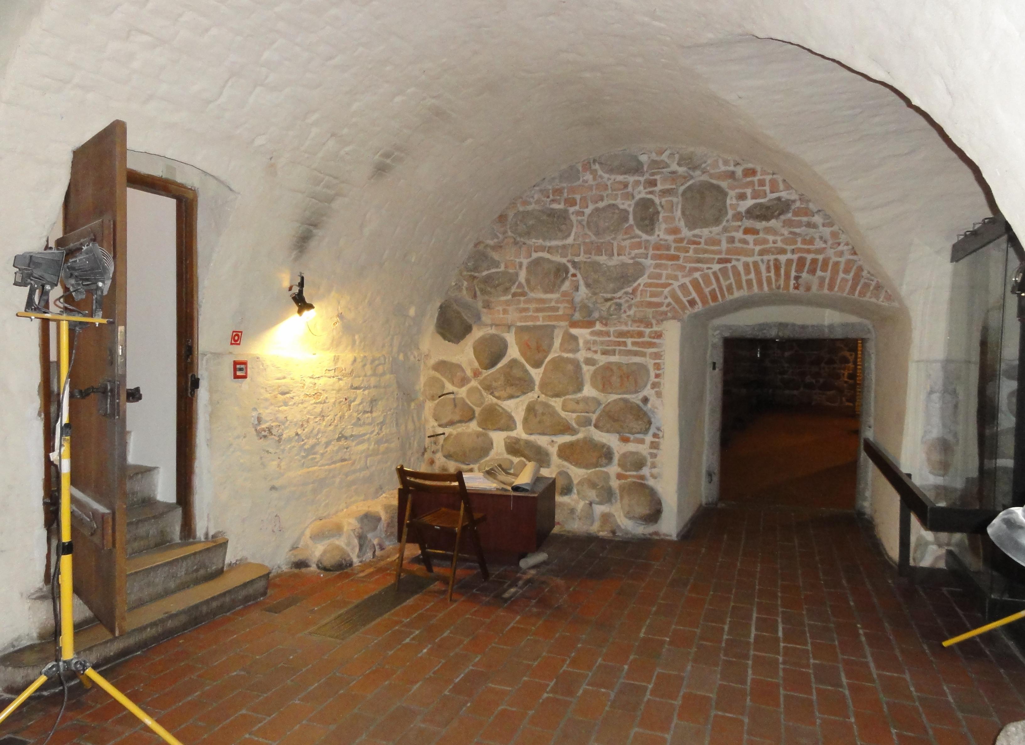 file hidden room of the castle of warsaw 8121472589 jpg rh commons wikimedia org