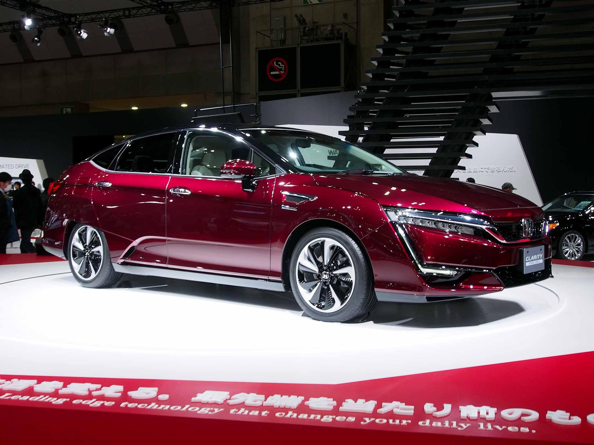 file honda clarity fuel cell garnet at tokyo motor show 2015 jpg rh commons wikimedia org