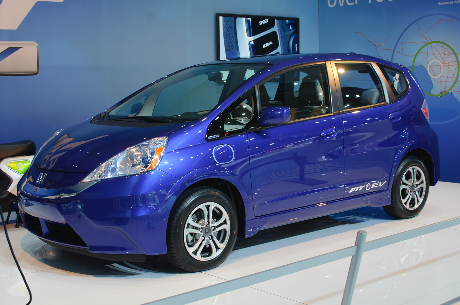 2017 Model Year Honda Fit Ev Electric Car Unveiled At The La Auto Show
