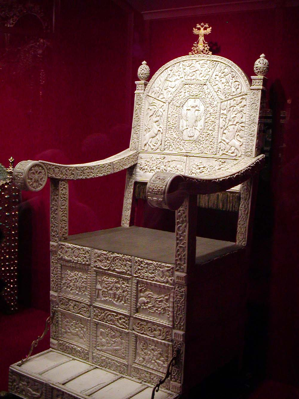 https://upload.wikimedia.org/wikipedia/commons/0/0a/Ivans_ivory_throne.jpg