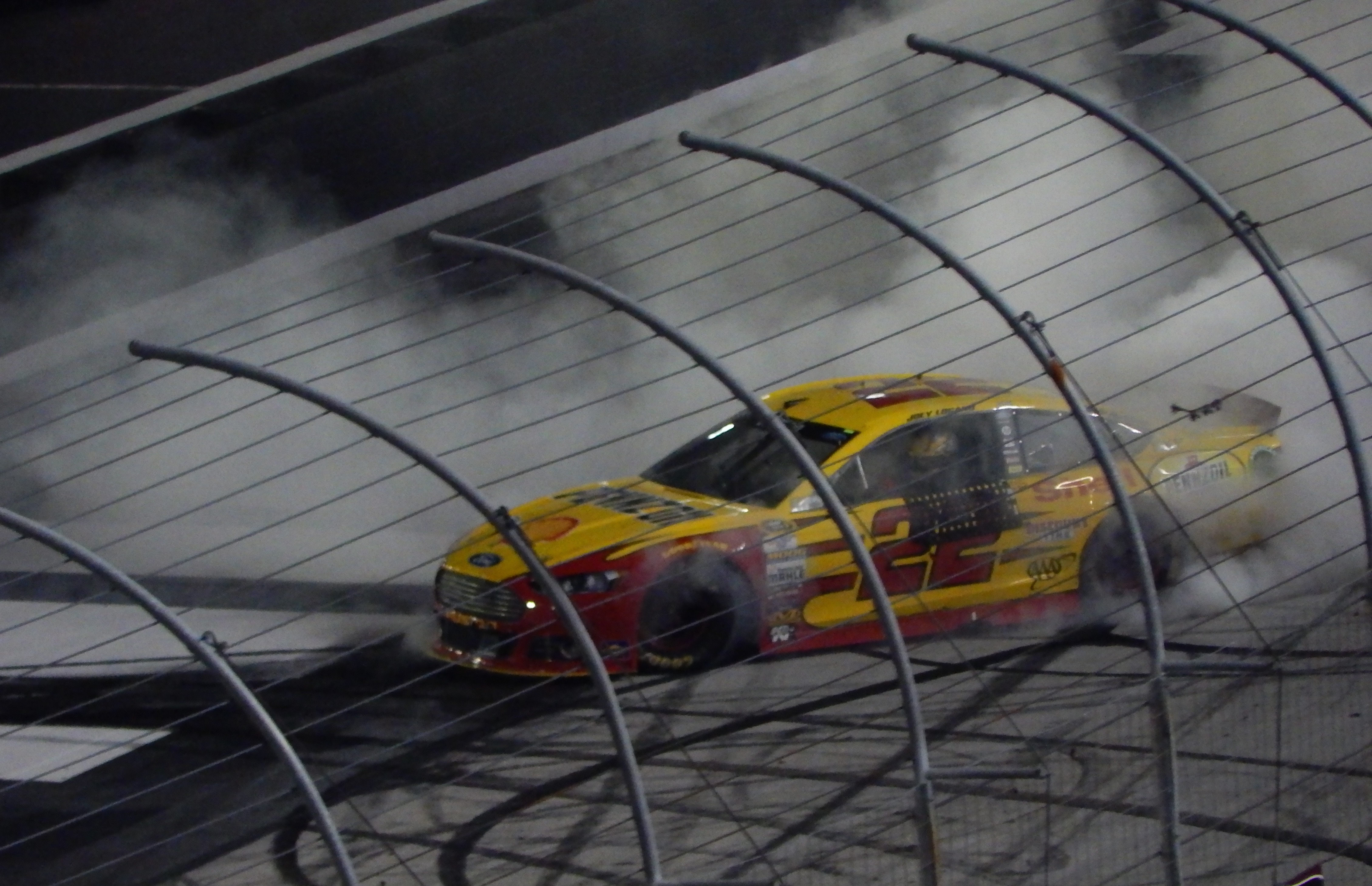 file joey logano burns the house down at thunder valley fifth take rh commons wikimedia org
