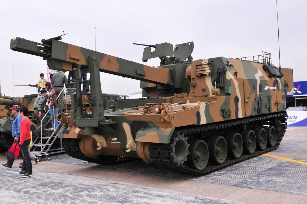 ثمرة التعاون الصناعى العسكرى المصرى الكورى الجنوبى ، تصنيع المدفع الكورى K-9 Thunder K10_ARV